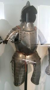 Demi-armure dans le  Museo dell'Armèe de Paris
